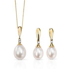 9ct Gold Drop Pearl & Diamond Jewellery Set
